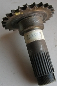 SPINDLE with Sprocket New Holland 622375